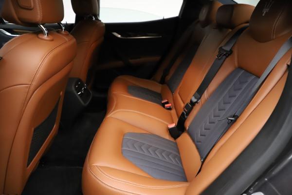 Used 2018 Maserati Ghibli SQ4 GranLusso for sale $51,900 at Bugatti of Greenwich in Greenwich CT 06830 18