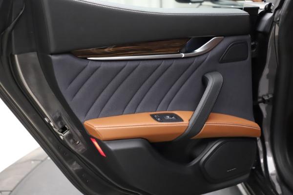 Used 2018 Maserati Ghibli SQ4 GranLusso for sale $51,900 at Bugatti of Greenwich in Greenwich CT 06830 20
