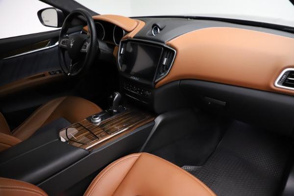 Used 2018 Maserati Ghibli SQ4 GranLusso for sale $51,900 at Bugatti of Greenwich in Greenwich CT 06830 21