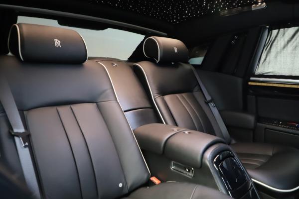 Used 2015 Rolls-Royce Phantom EWB for sale $299,900 at Bugatti of Greenwich in Greenwich CT 06830 15