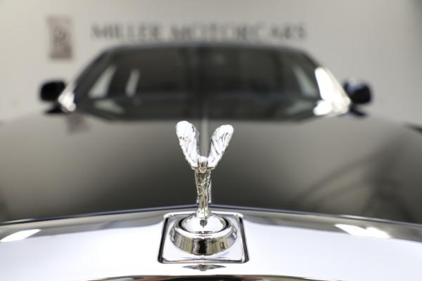 Used 2015 Rolls-Royce Phantom EWB for sale $299,900 at Bugatti of Greenwich in Greenwich CT 06830 20
