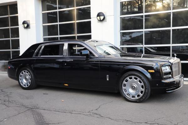 Used 2015 Rolls-Royce Phantom EWB for sale $299,900 at Bugatti of Greenwich in Greenwich CT 06830 3