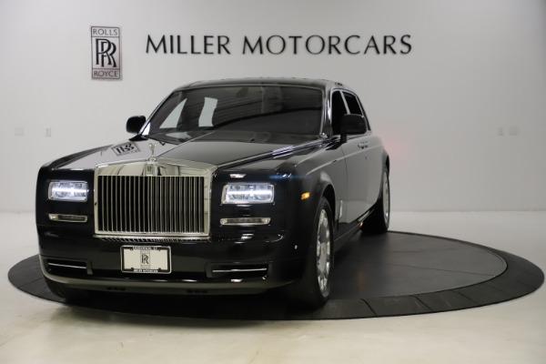 Used 2015 Rolls-Royce Phantom EWB for sale $299,900 at Bugatti of Greenwich in Greenwich CT 06830 1