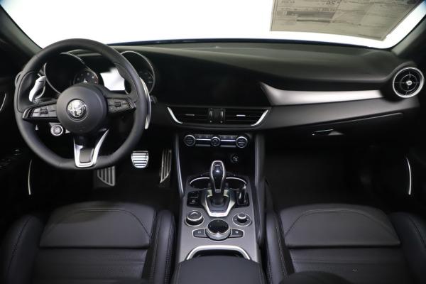 New 2021 Alfa Romeo Giulia Ti Sport Q4 for sale $52,100 at Bugatti of Greenwich in Greenwich CT 06830 16