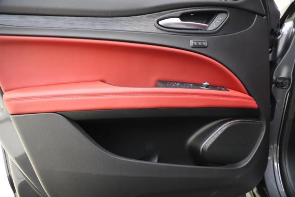 New 2021 Alfa Romeo Stelvio Q4 for sale $48,050 at Bugatti of Greenwich in Greenwich CT 06830 17