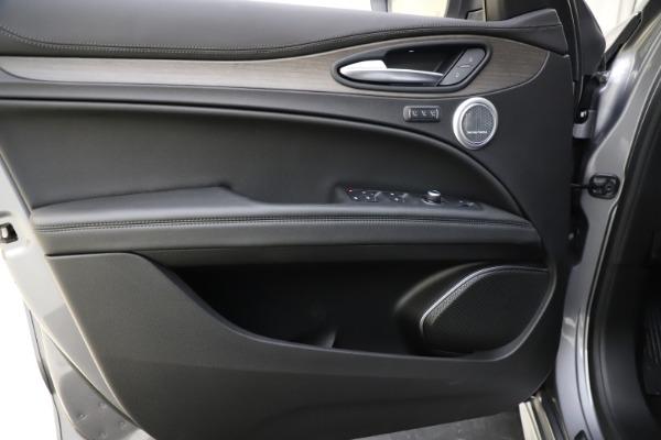 New 2021 Alfa Romeo Stelvio Ti Q4 for sale $55,900 at Bugatti of Greenwich in Greenwich CT 06830 17