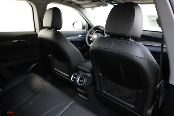 New 2021 Alfa Romeo Stelvio Ti Q4 for sale $55,900 at Bugatti of Greenwich in Greenwich CT 06830 28