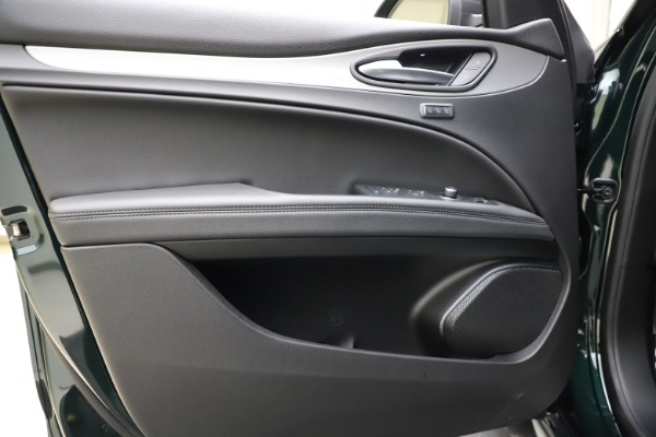 New 2021 Alfa Romeo Stelvio Ti Sport Q4 for sale $56,450 at Bugatti of Greenwich in Greenwich CT 06830 17