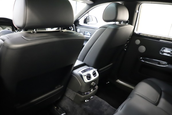 Used 2016 Rolls-Royce Ghost for sale $165,900 at Bugatti of Greenwich in Greenwich CT 06830 16