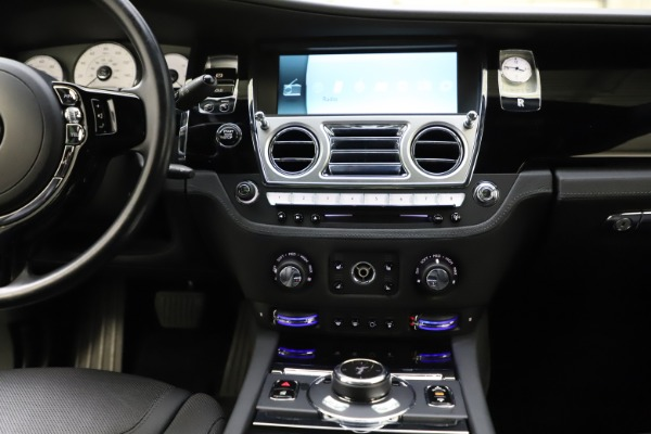 Used 2016 Rolls-Royce Ghost for sale $165,900 at Bugatti of Greenwich in Greenwich CT 06830 26