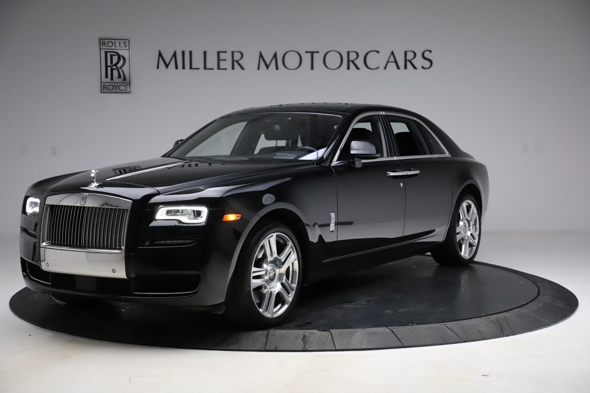 Used 2016 Rolls-Royce Ghost for sale $165,900 at Bugatti of Greenwich in Greenwich CT 06830 1