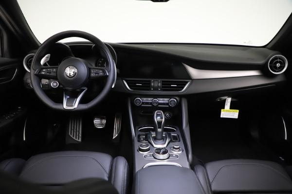 New 2021 Alfa Romeo Giulia Ti Sport Q4 for sale $53,850 at Bugatti of Greenwich in Greenwich CT 06830 17