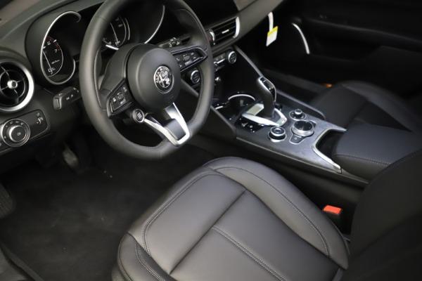 New 2021 Alfa Romeo Giulia Q4 for sale $46,895 at Bugatti of Greenwich in Greenwich CT 06830 13