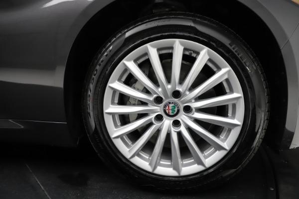 New 2021 Alfa Romeo Giulia Q4 for sale $46,895 at Bugatti of Greenwich in Greenwich CT 06830 25
