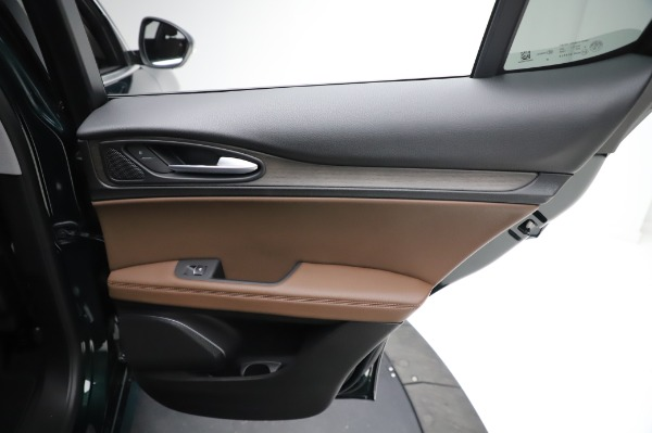 New 2021 Alfa Romeo Stelvio Ti Q4 for sale $54,000 at Bugatti of Greenwich in Greenwich CT 06830 26