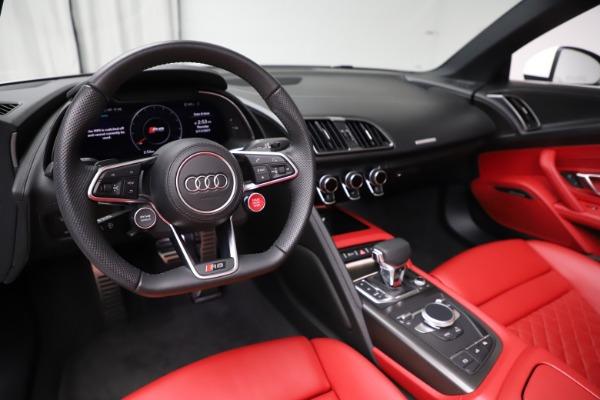Used 2018 Audi R8 Spyder for sale $154,900 at Bugatti of Greenwich in Greenwich CT 06830 19