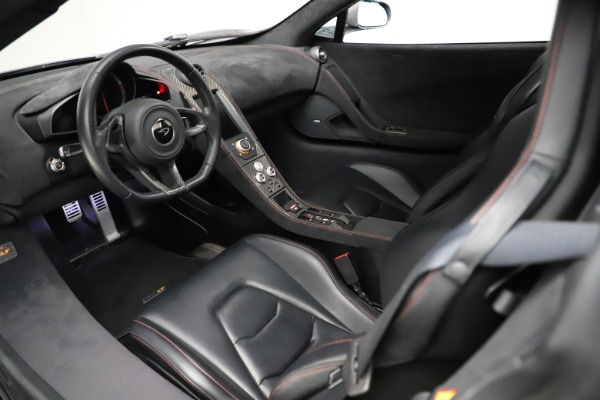 Used 2016 McLaren 675LT Spider for sale $275,900 at Bugatti of Greenwich in Greenwich CT 06830 22