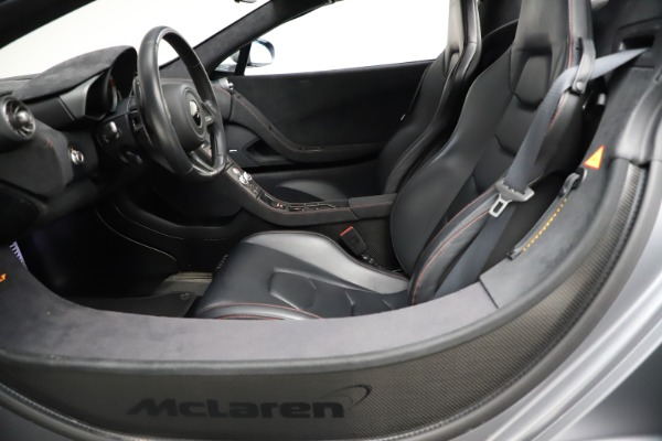 Used 2016 McLaren 675LT Spider for sale $275,900 at Bugatti of Greenwich in Greenwich CT 06830 23