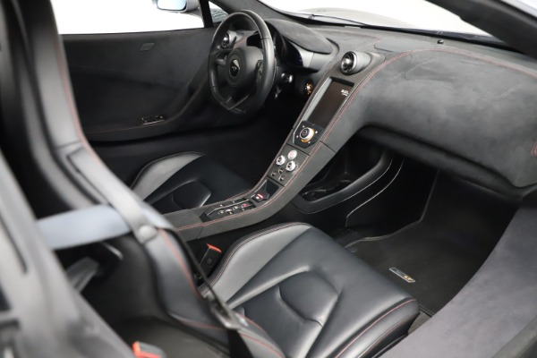Used 2016 McLaren 675LT Spider for sale $275,900 at Bugatti of Greenwich in Greenwich CT 06830 25