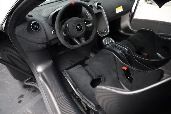 New 2020 McLaren 620R for sale $312,605 at Bugatti of Greenwich in Greenwich CT 06830 17