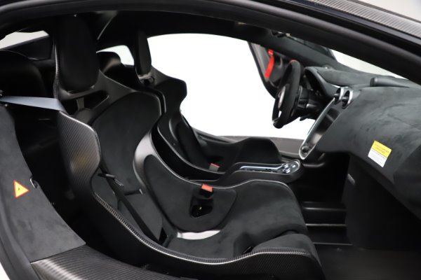 New 2020 McLaren 620R for sale $312,605 at Bugatti of Greenwich in Greenwich CT 06830 21
