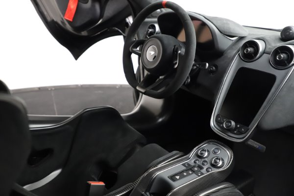 New 2020 McLaren 620R for sale $312,605 at Bugatti of Greenwich in Greenwich CT 06830 22