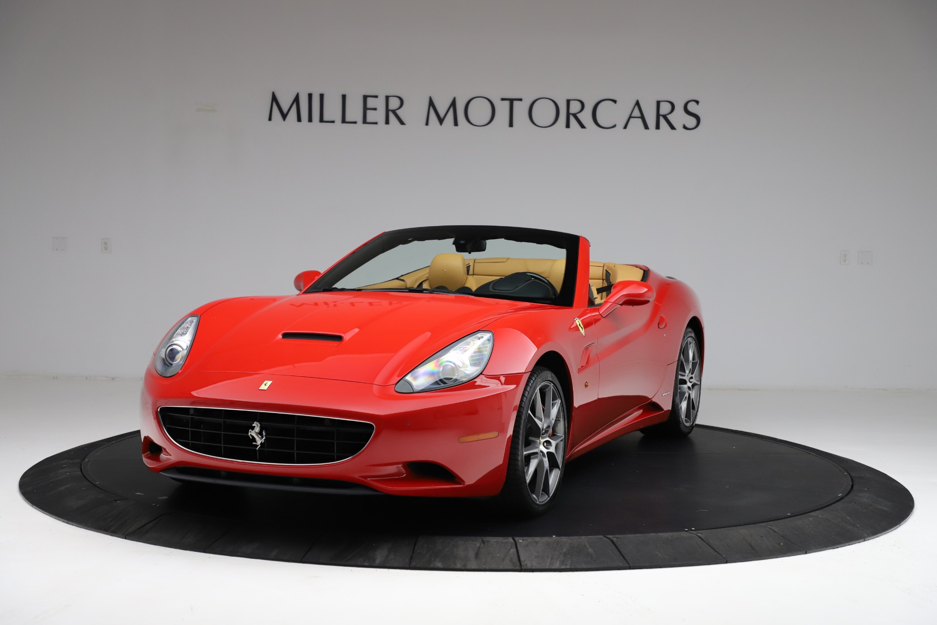 Used 2010 Ferrari California for sale $114,900 at Bugatti of Greenwich in Greenwich CT 06830 1