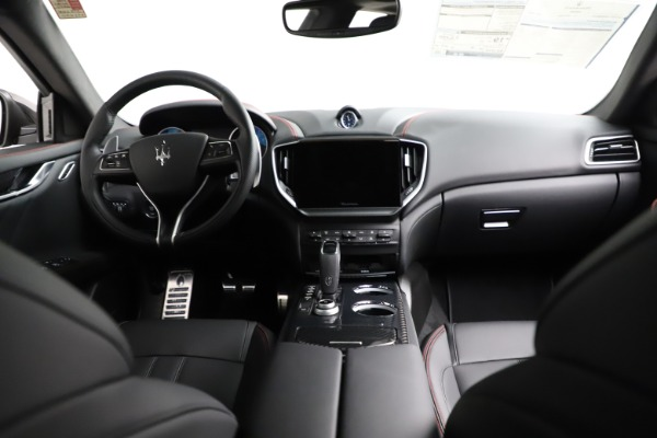 New 2021 Maserati Ghibli S Q4 GranSport for sale Sold at Bugatti of Greenwich in Greenwich CT 06830 17