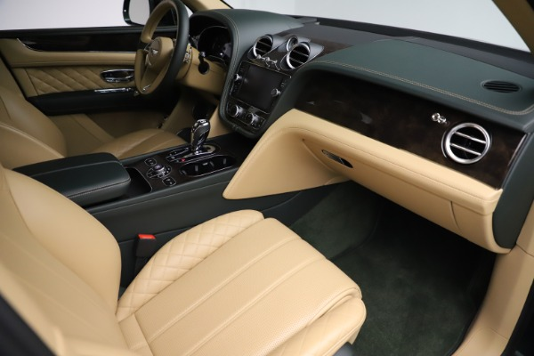 Used 2018 Bentley Bentayga W12 Signature for sale $159,900 at Bugatti of Greenwich in Greenwich CT 06830 24