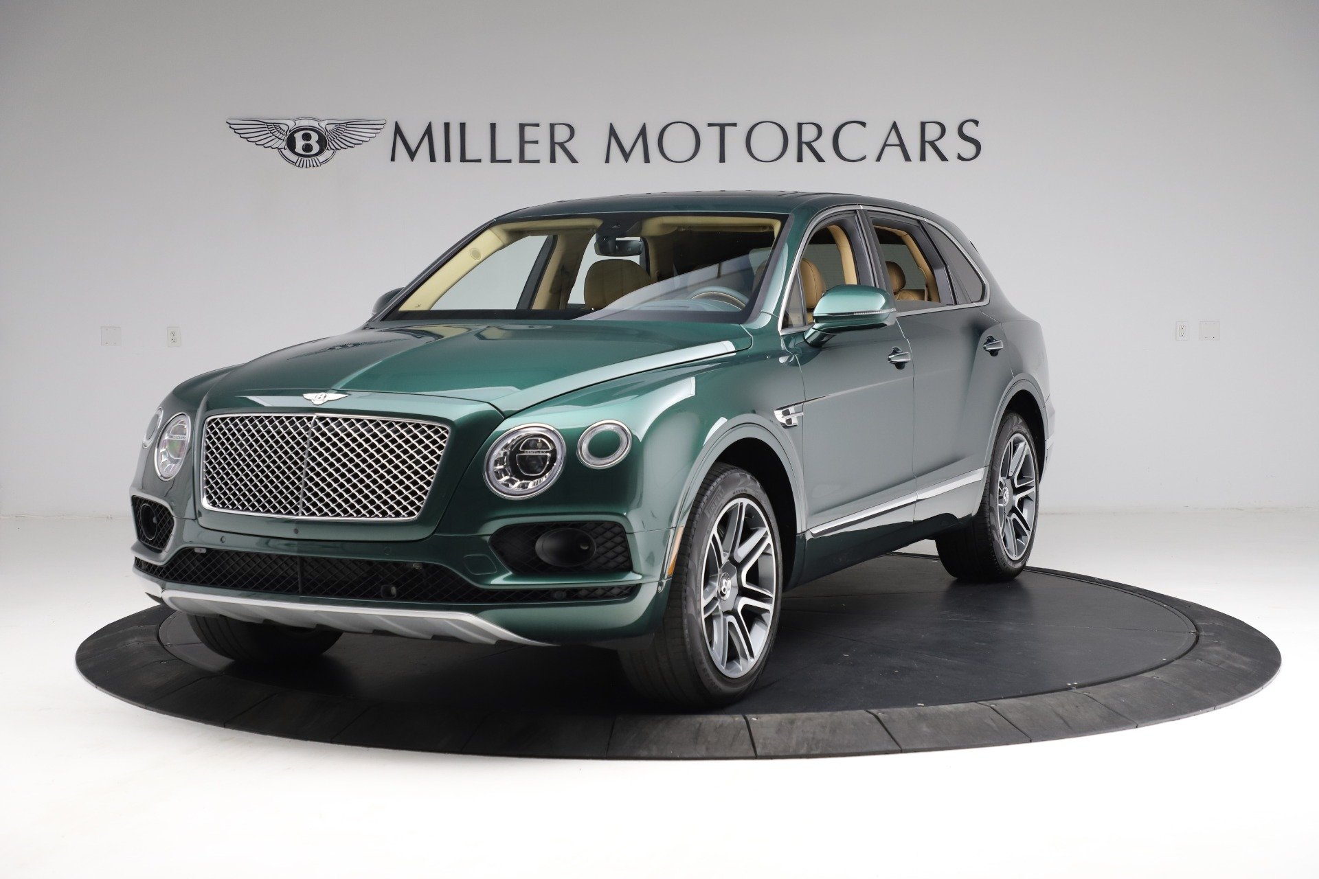 Used 2018 Bentley Bentayga W12 Signature for sale $159,900 at Bugatti of Greenwich in Greenwich CT 06830 1