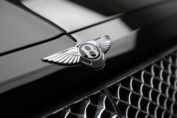 Used 2018 Bentley Bentayga W12 Signature for sale $153,900 at Bugatti of Greenwich in Greenwich CT 06830 15