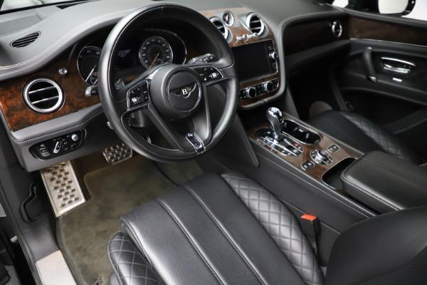 Used 2018 Bentley Bentayga W12 Signature for sale $153,900 at Bugatti of Greenwich in Greenwich CT 06830 18