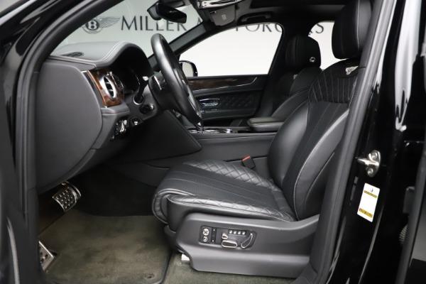 Used 2018 Bentley Bentayga W12 Signature for sale $153,900 at Bugatti of Greenwich in Greenwich CT 06830 19