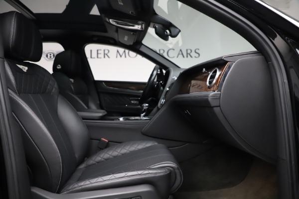 Used 2018 Bentley Bentayga W12 Signature for sale $153,900 at Bugatti of Greenwich in Greenwich CT 06830 27