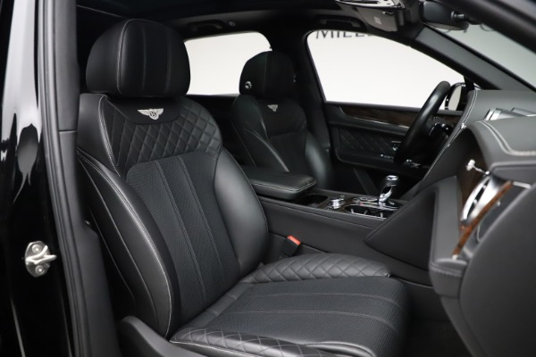 Used 2018 Bentley Bentayga W12 Signature for sale $153,900 at Bugatti of Greenwich in Greenwich CT 06830 28