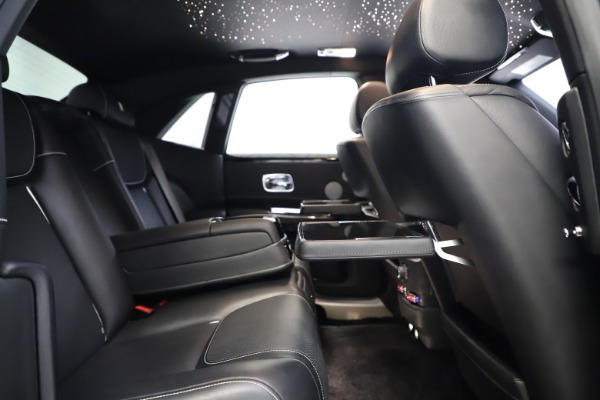 Used 2018 Rolls-Royce Ghost for sale $249,900 at Bugatti of Greenwich in Greenwich CT 06830 24