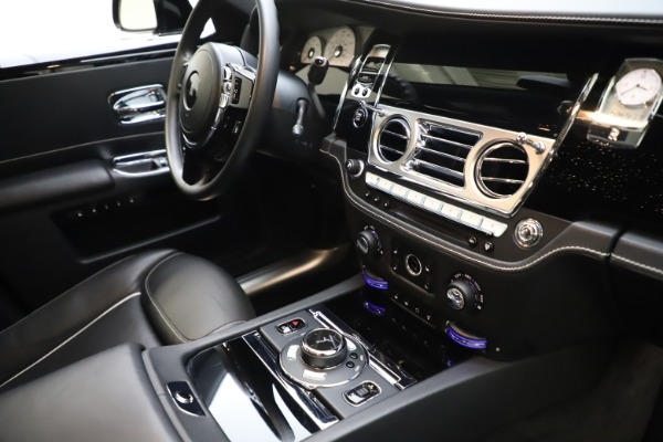 Used 2018 Rolls-Royce Ghost for sale $249,900 at Bugatti of Greenwich in Greenwich CT 06830 26