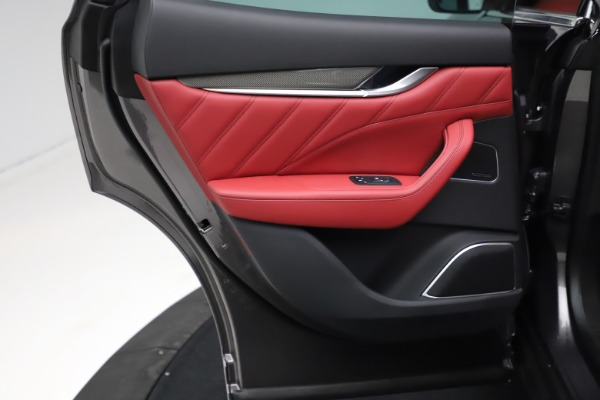 New 2021 Maserati Levante S Q4 GranLusso for sale $105,549 at Bugatti of Greenwich in Greenwich CT 06830 19