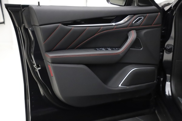 New 2021 Maserati Levante Q4 GranSport for sale $92,735 at Bugatti of Greenwich in Greenwich CT 06830 18
