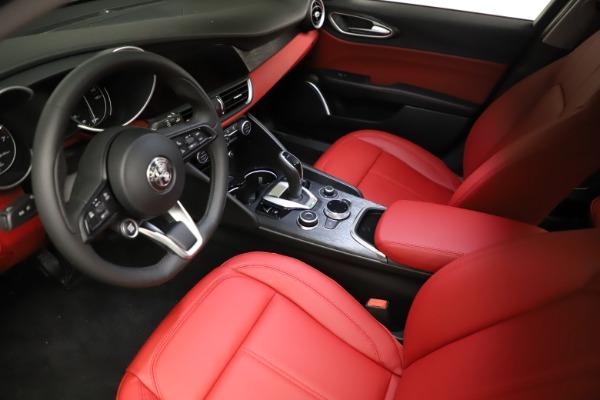 New 2021 Alfa Romeo Giulia Q4 for sale $48,535 at Bugatti of Greenwich in Greenwich CT 06830 13