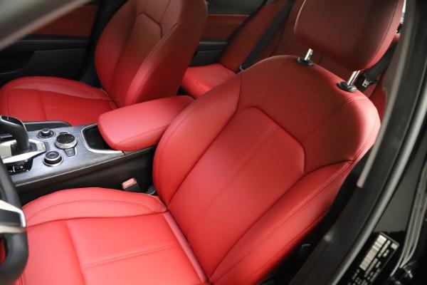 New 2021 Alfa Romeo Giulia Q4 for sale $48,535 at Bugatti of Greenwich in Greenwich CT 06830 15