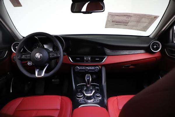New 2021 Alfa Romeo Giulia Q4 for sale $48,535 at Bugatti of Greenwich in Greenwich CT 06830 16