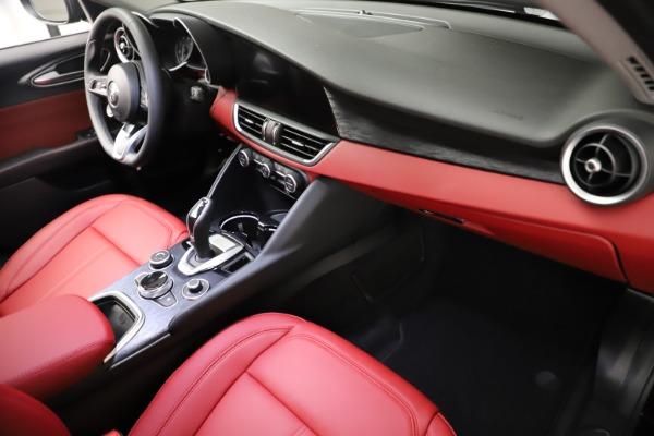 New 2021 Alfa Romeo Giulia Q4 for sale $48,535 at Bugatti of Greenwich in Greenwich CT 06830 22
