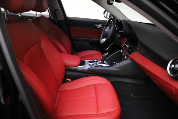 New 2021 Alfa Romeo Giulia Q4 for sale $48,535 at Bugatti of Greenwich in Greenwich CT 06830 23