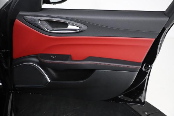 New 2021 Alfa Romeo Giulia Q4 for sale $48,535 at Bugatti of Greenwich in Greenwich CT 06830 24