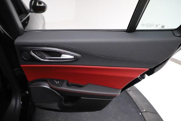 New 2021 Alfa Romeo Giulia Q4 for sale $48,535 at Bugatti of Greenwich in Greenwich CT 06830 27