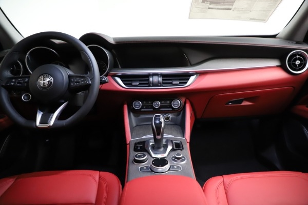 New 2021 Alfa Romeo Stelvio Ti Q4 for sale $55,500 at Bugatti of Greenwich in Greenwich CT 06830 17