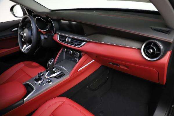 New 2021 Alfa Romeo Stelvio Ti Q4 for sale $55,500 at Bugatti of Greenwich in Greenwich CT 06830 21