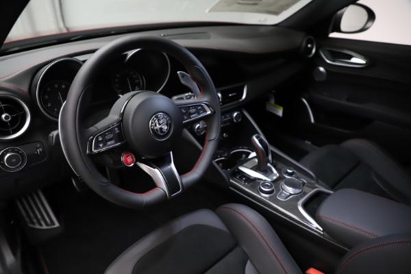 New 2021 Alfa Romeo Giulia Quadrifoglio for sale $83,740 at Bugatti of Greenwich in Greenwich CT 06830 12