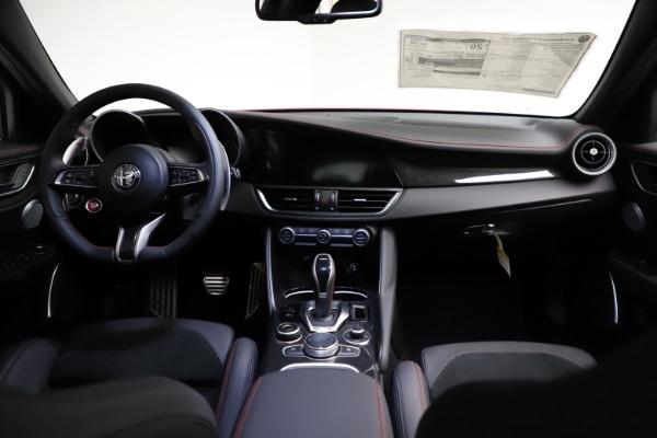 New 2021 Alfa Romeo Giulia Quadrifoglio for sale $83,740 at Bugatti of Greenwich in Greenwich CT 06830 15